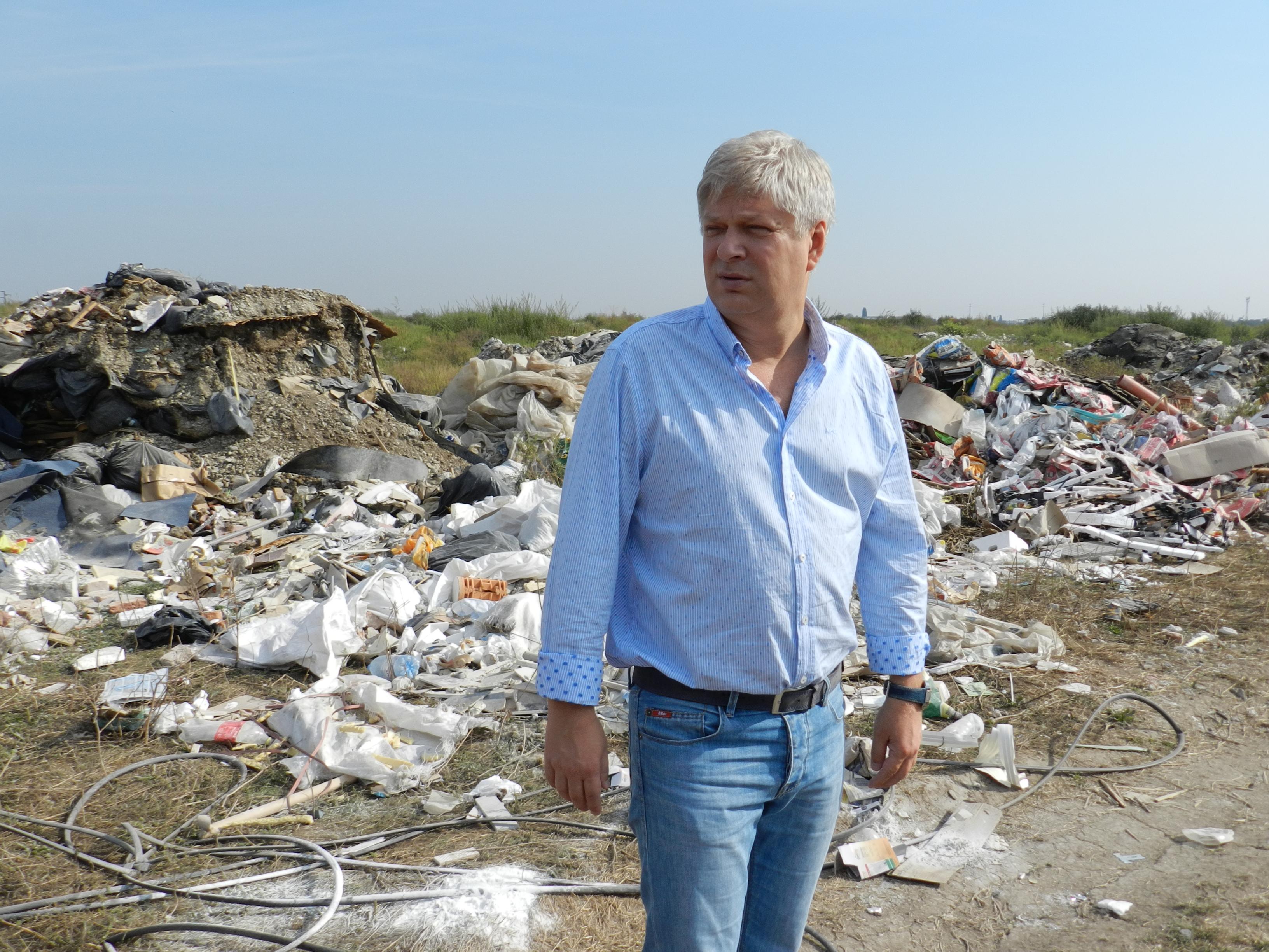 Semnează și tu pentru închiderea gropilor de gunoi care otrăvesc aerul Capitalei!