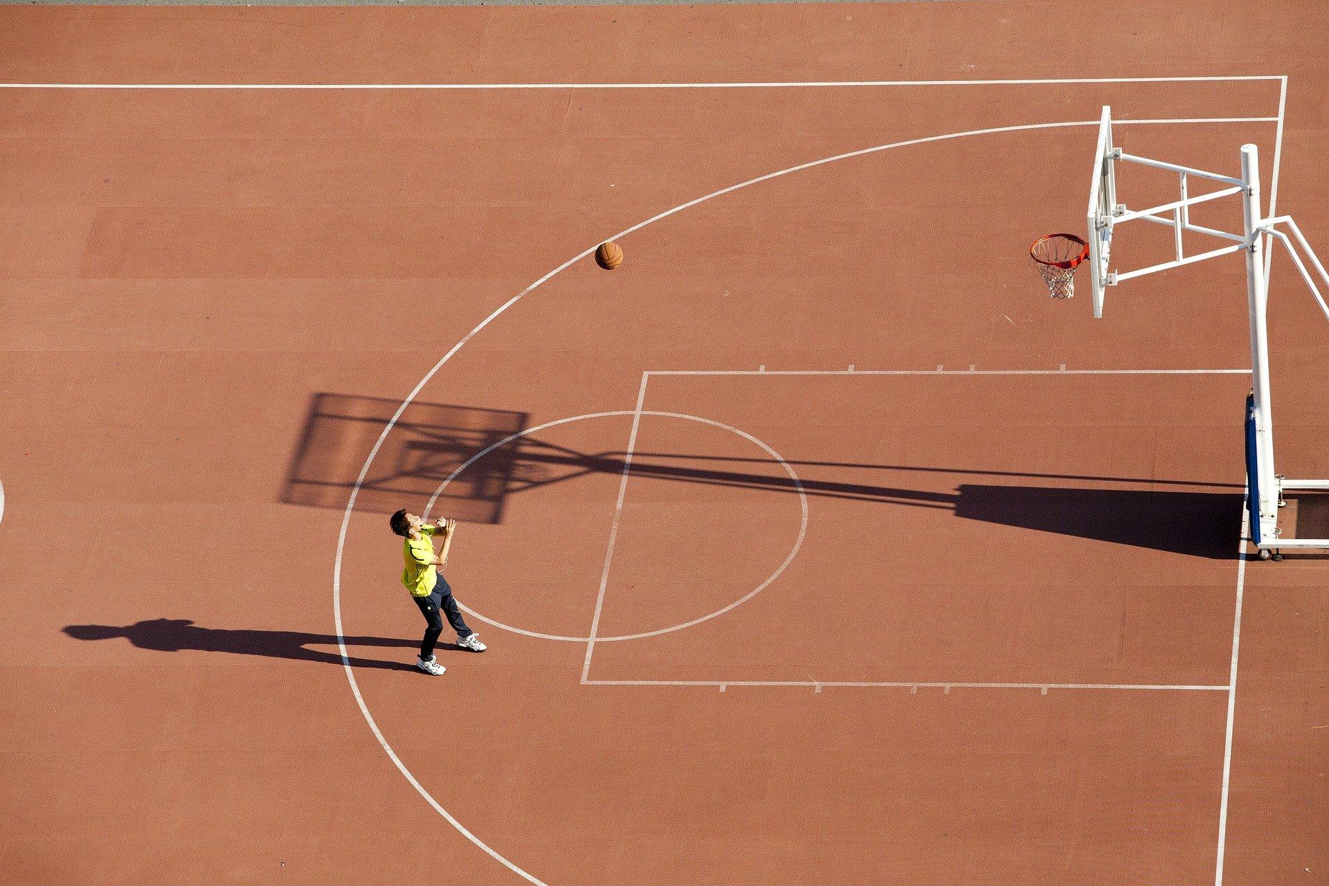 Locuitorii Sectorului 1 vor putea face sport în curțile școlilor și liceelor