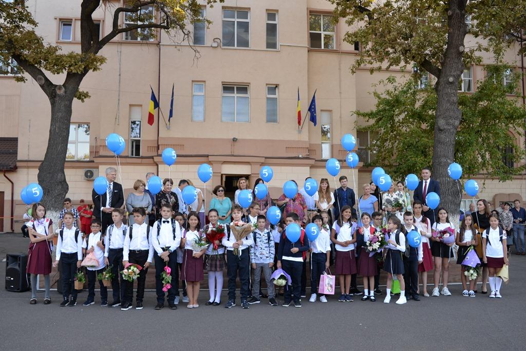 A sunat clopoțelul: Ofertă educațională diversă și atractivă și siguranță la școală pentru elevii din Sectorul 1