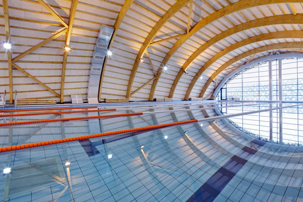 Bazine semiolimpice de înot, la două unităţi de învăţământ din Sectorul 1