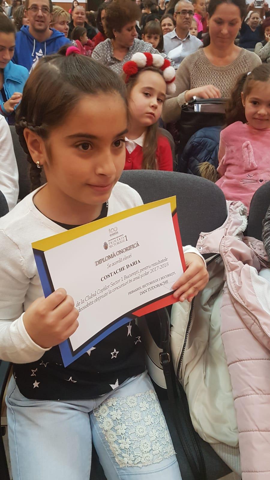 Premii pentru elevii de la Clubul Copiilor Sector 1 care au obținut  rezultate deosebite în anul școlar 2017-2018