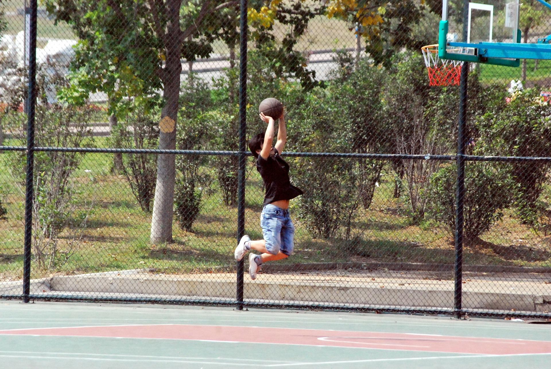 Reglementăm conditiile în care copiii vor face sport în curtea școlii  în afara orelor de curs